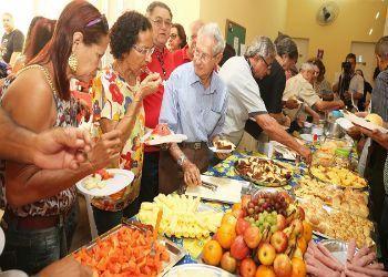 <a href=http://www.bancariospe.org.br/noticias_aparece.asp?codigo=16010#.WA5oYrwrKqk class=trs>Aposentados voltam a desfrutar do tradicional café da manhã</a>