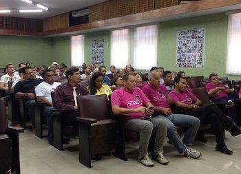 <a href=http://bancariospe.org.br/noticias_aparece.asp?codigo=13225#.VTmHDiFViko class=trs>FORMAÇÃO: Delegados sindicais discutem os desafios dos trabalhadores</a>